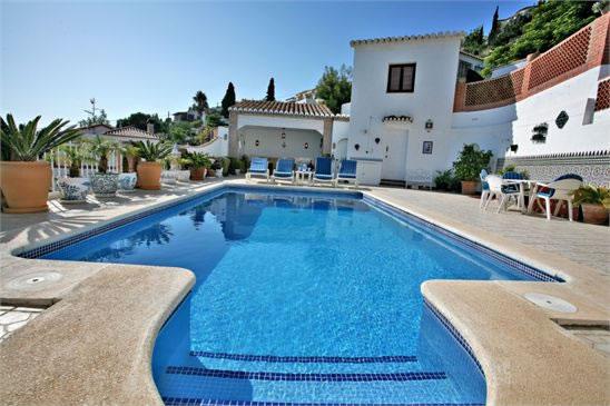 piscine-terrasse-couverte
