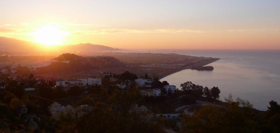 Amanecer visto desde las terrazas - Sunrise on Salobreña - Lever de soleil sur Salobreña